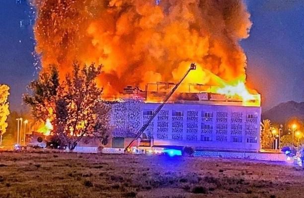 В Испании сгорел отель: туристы спасались, прыгая из окон