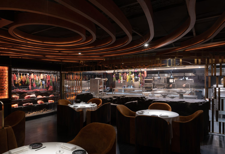 Знаменитый шеф-повар Дани Гарсия готовится открыть новый ресторан для любителей блюд на гриле