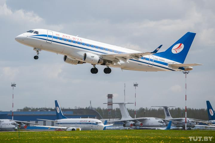 «Новая дата - 31 декабря 2021 года». Пассажиры «Белавиа» не могут вернуть деньги за отмененные рейсы