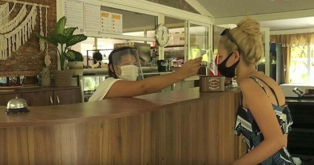 Коронавирус в Турции: введен всеобщий масочный режим, в отелях запрещены музыкальные шоу