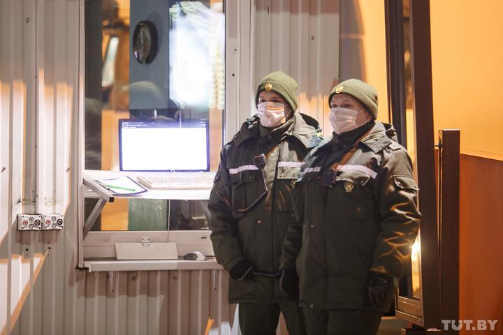 Как сейчас въезжать в Беларусь и кому на границе нужны справки о COVID-19?