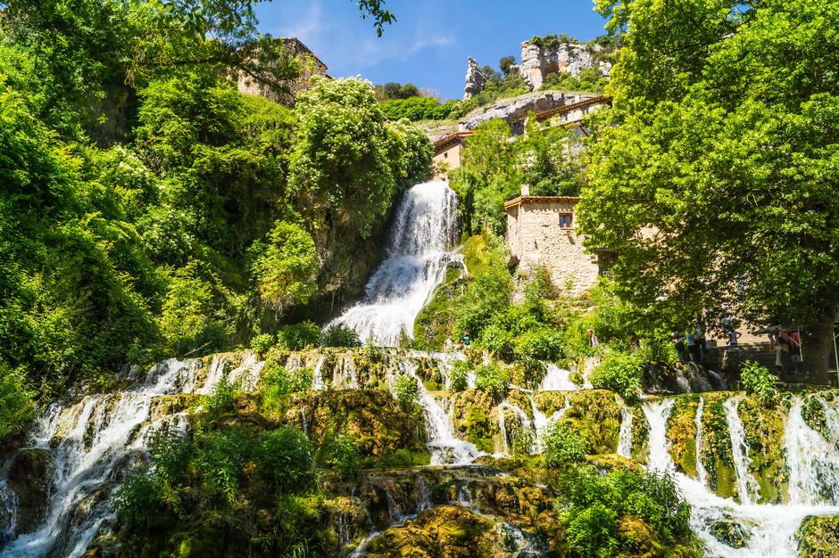 Крошечная деревня провинции Бургос, где главной мелодией является шум льющейся воды