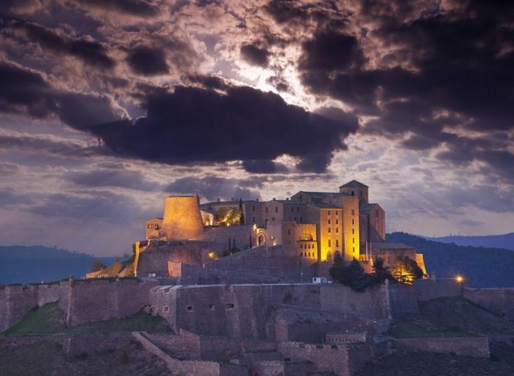 Три замка Испании, где можно пощекотать нервы в ночь Хэллоуина