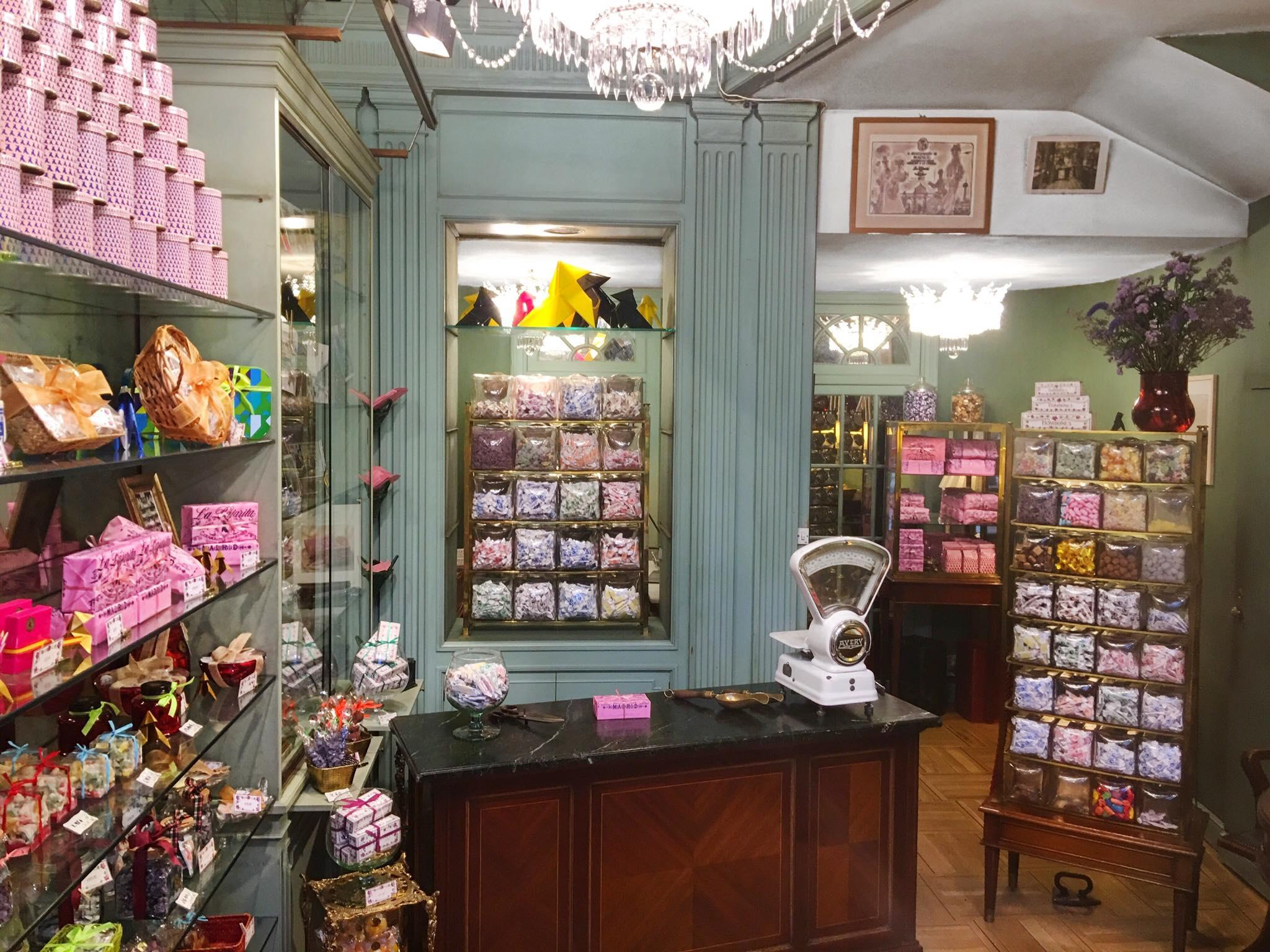 Самому старинному магазину конфет Мадрида исполнилось 168 лет