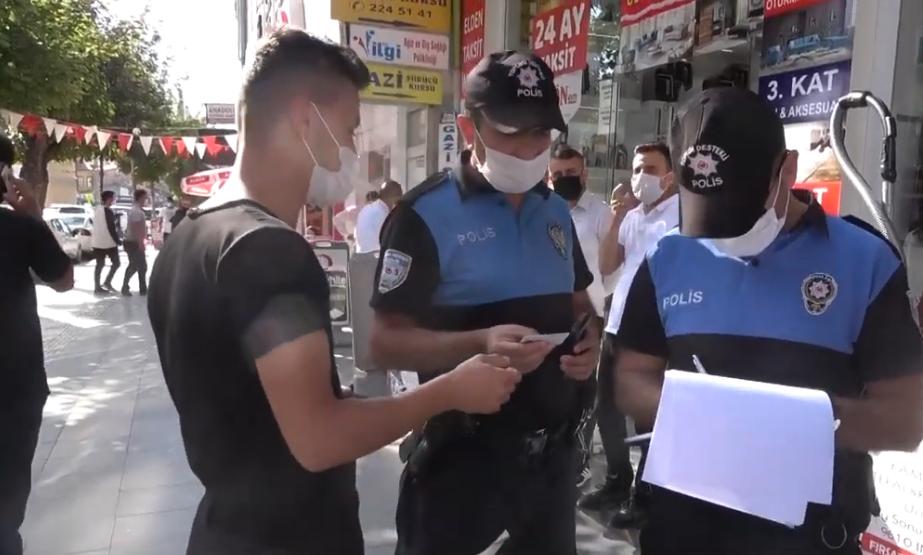 Всем туристам надеть маски и бросить курить: в Анталии начались рейды по отлову нарушителей