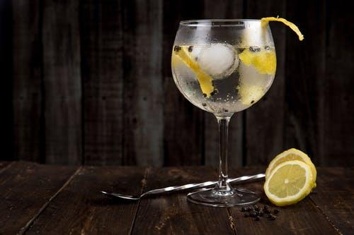Испанский джин: 7 лучших представителей по версии IWSC