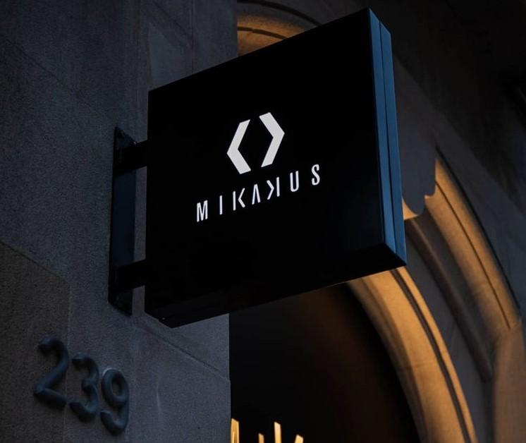 Футболист Андрес Иньеста и его жена вместе с партнерами открыли второй магазин бренда Mikakus