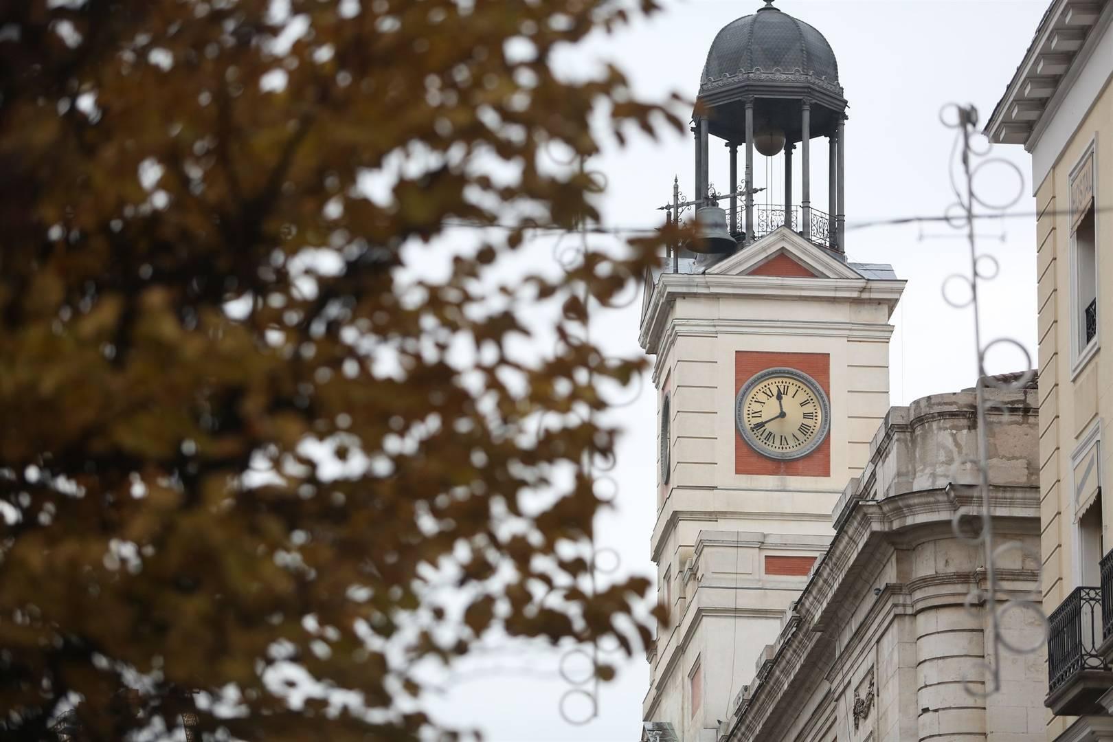 Самые знаменитые часы Испании готовятся к своей новогодней миссии