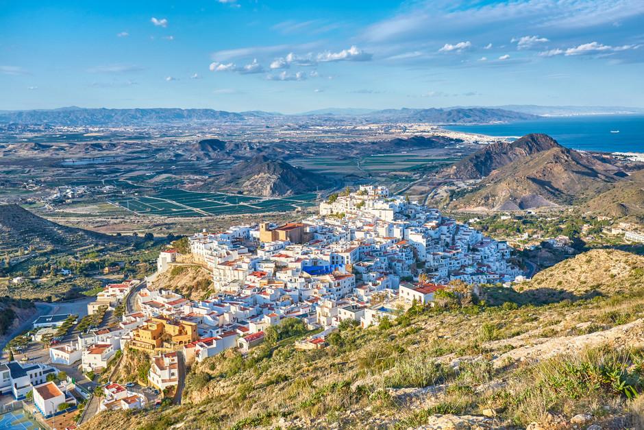 Одна из самых красивых деревень Альмерии Мохакар в этом году обзаведется маяком и смотровой площадкой