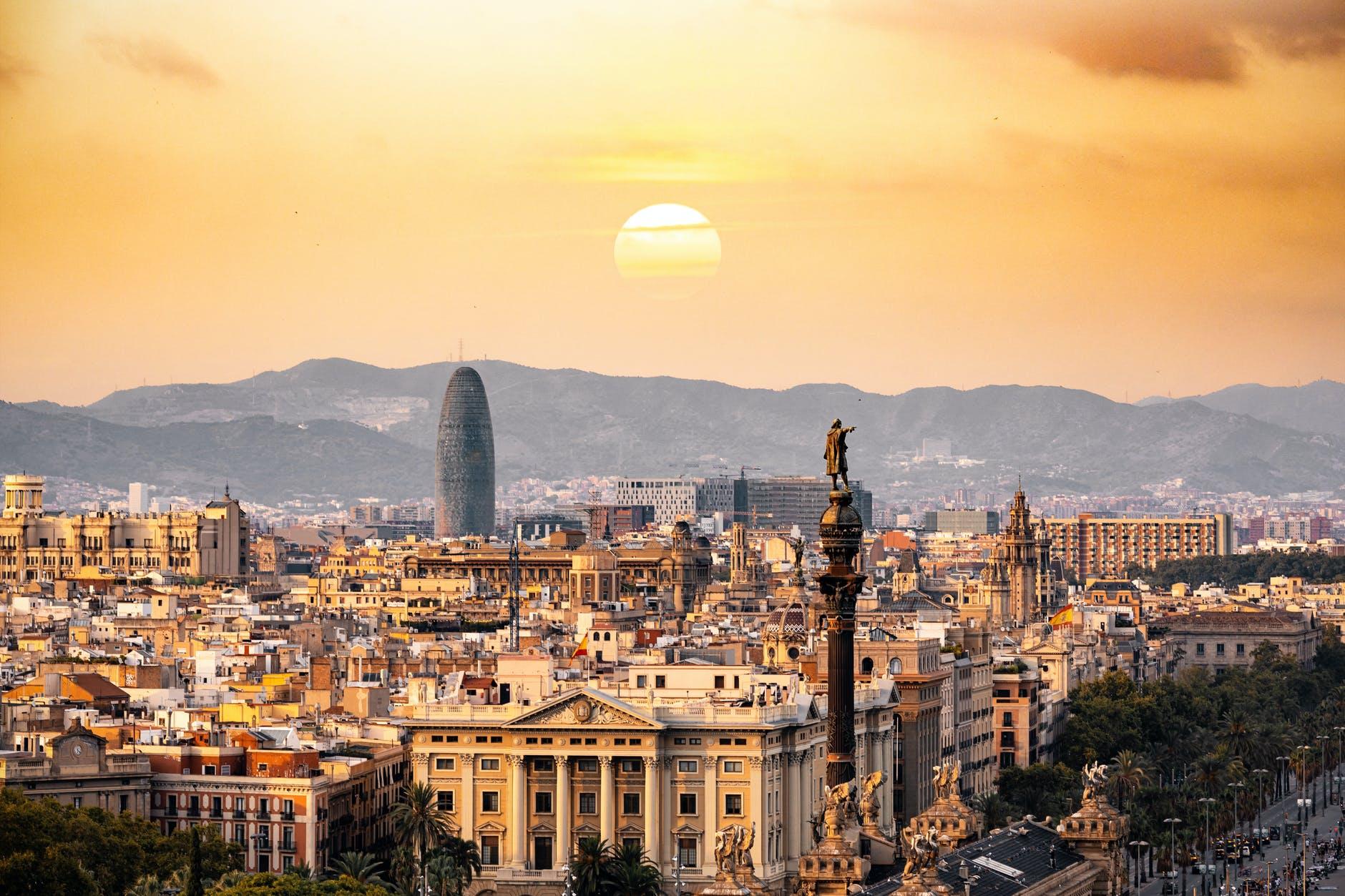 Барселона находится на 8-ом месте в списке лучших городов мира для проживания и работы