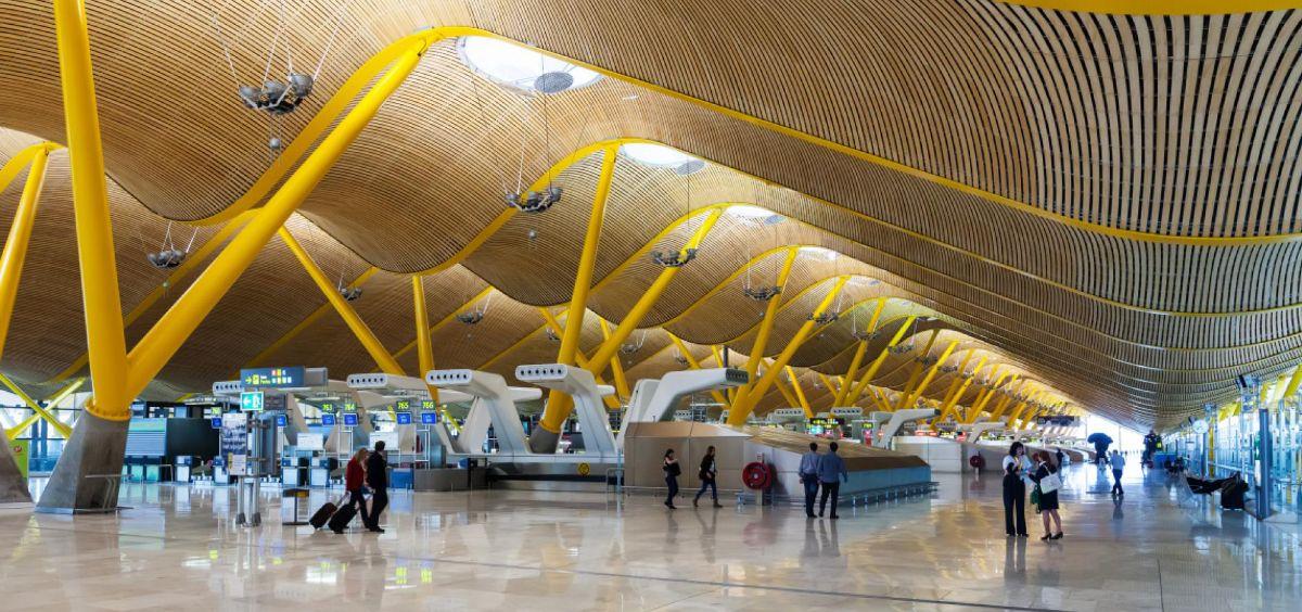 Аэропорт Мадрида получил аккредитацию безопасного во время пандемии аэропорта