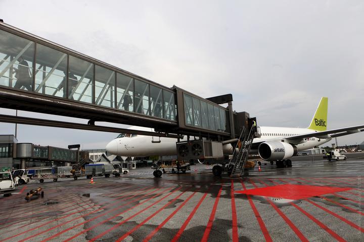 Авиакомпания AirBaltic возобновила полеты в Национальный аэропорт Минск