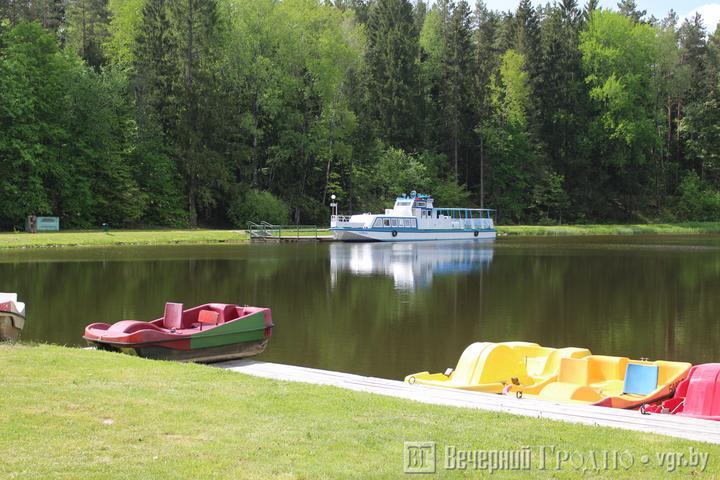 На Августовском канале уже в мае появится большой речной катамаран. Деньги на него выделила Польша
