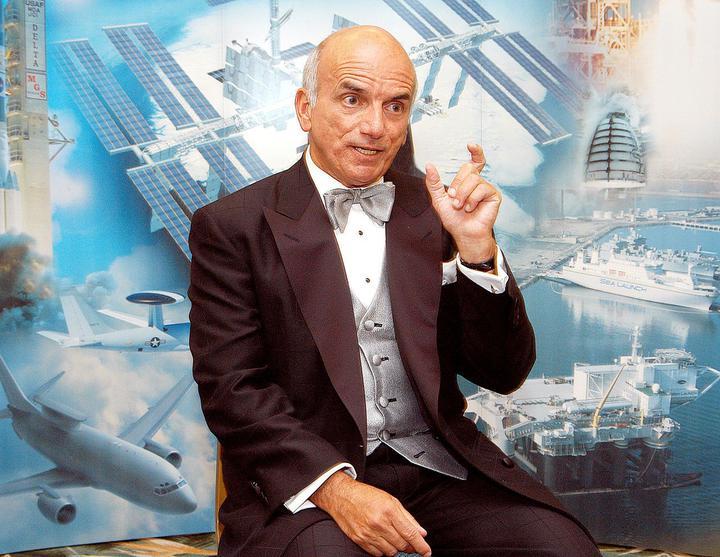 20 лет назад в космос отправился первый турист. Рассказываем про Денниса Тито