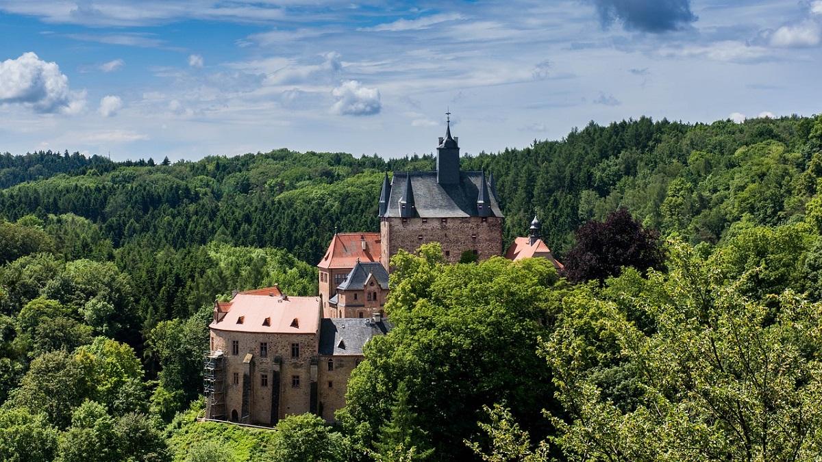 Посмотрите, как выглядит самый красивый рыцарский замок Саксонии