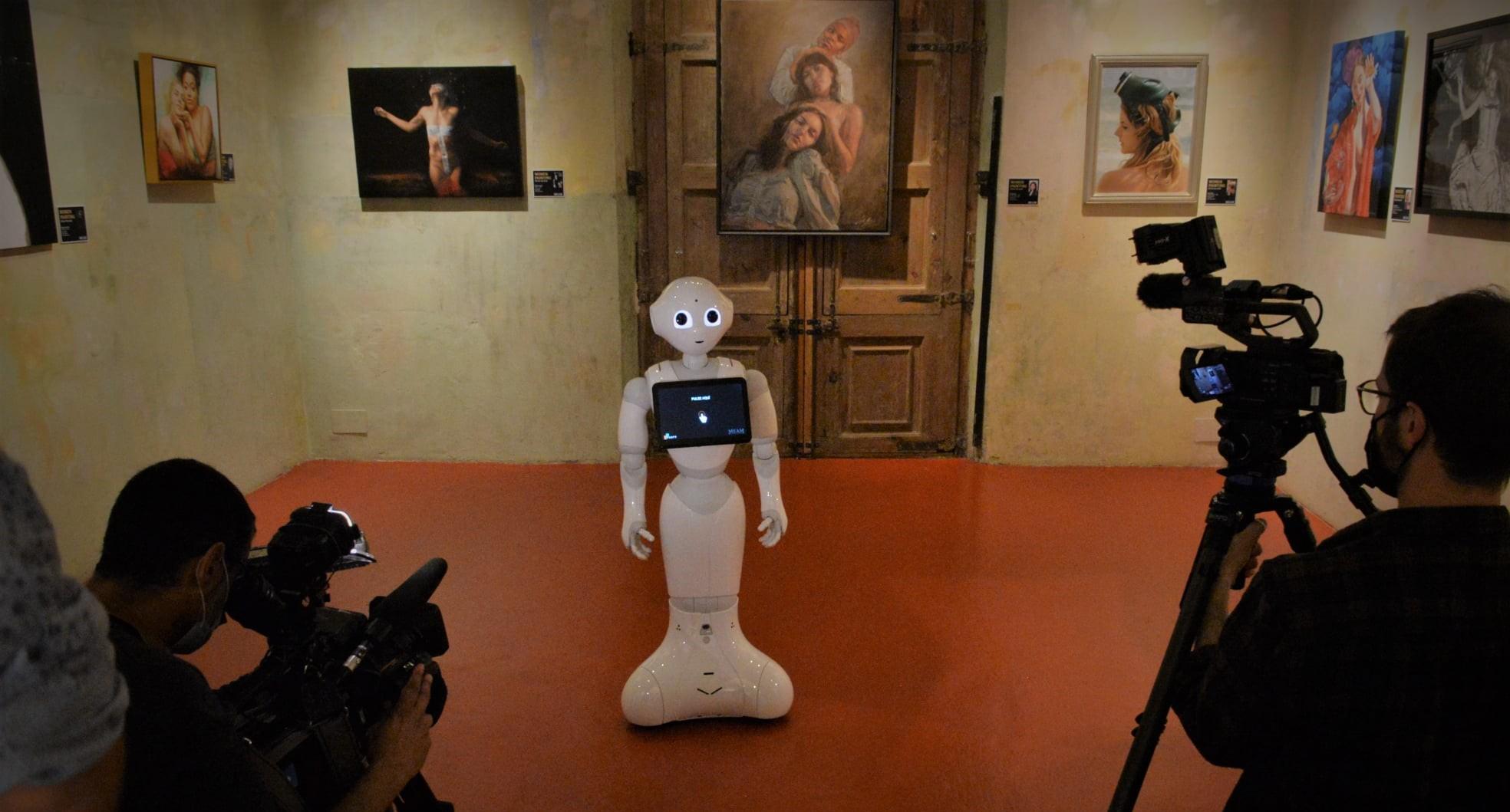 Музей MEAM Барселоны: первый в Испании музей с гидом-роботом