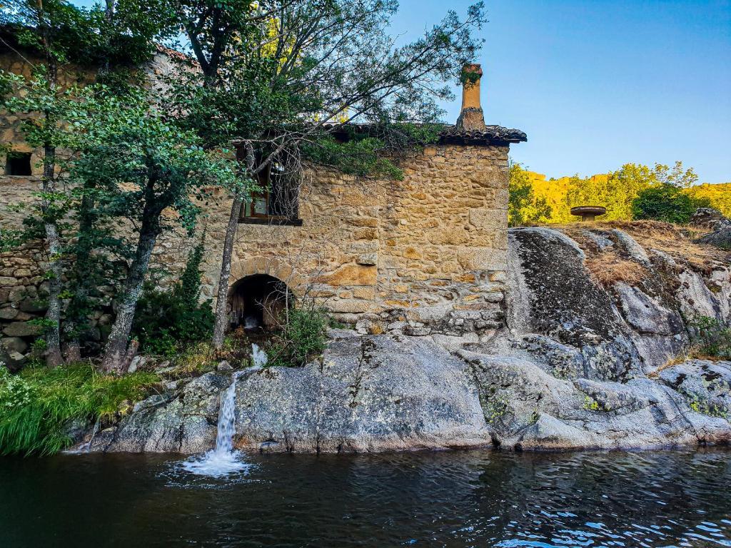 Провести ночь в старинной мельнице Испании