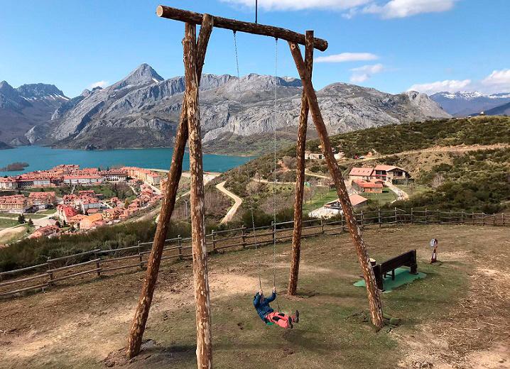 Самые высокие качели в Испании находятся в регионе Кастилия и Леон