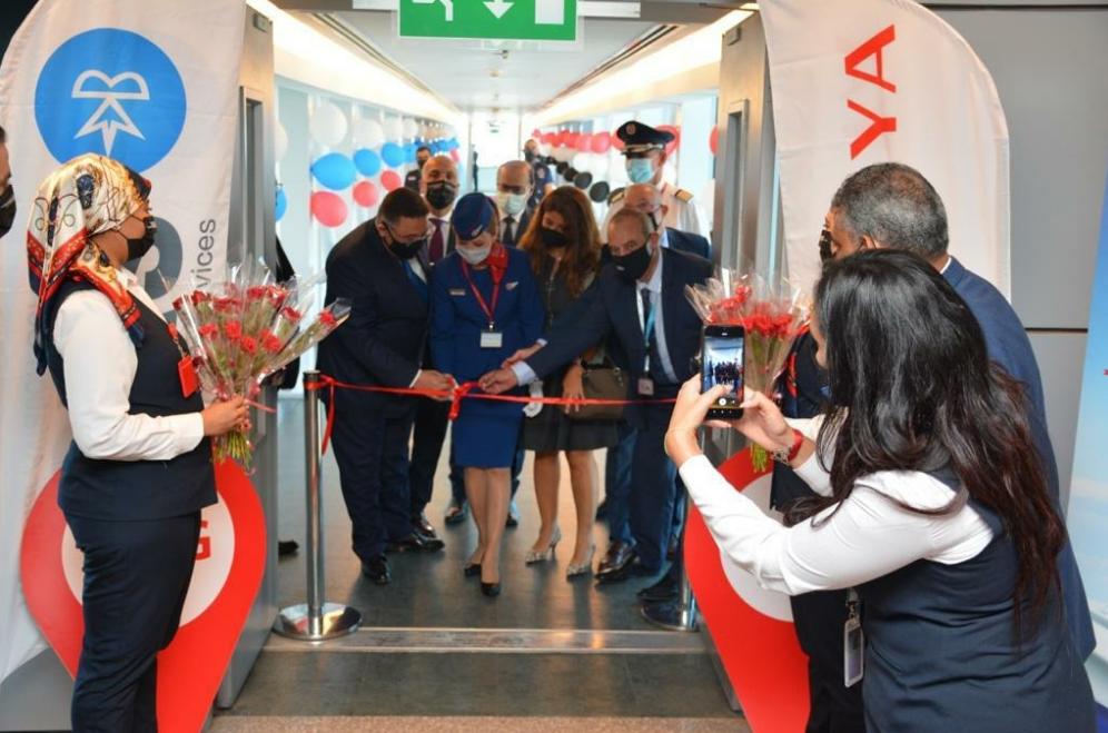 Розы, шоколад и лично посол РФ: как встречали российских туристов в Шарм-эль-Шейхе