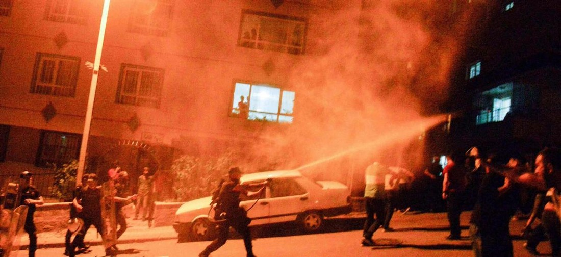 В Турции начались погромы: с курортов сообщений не поступало