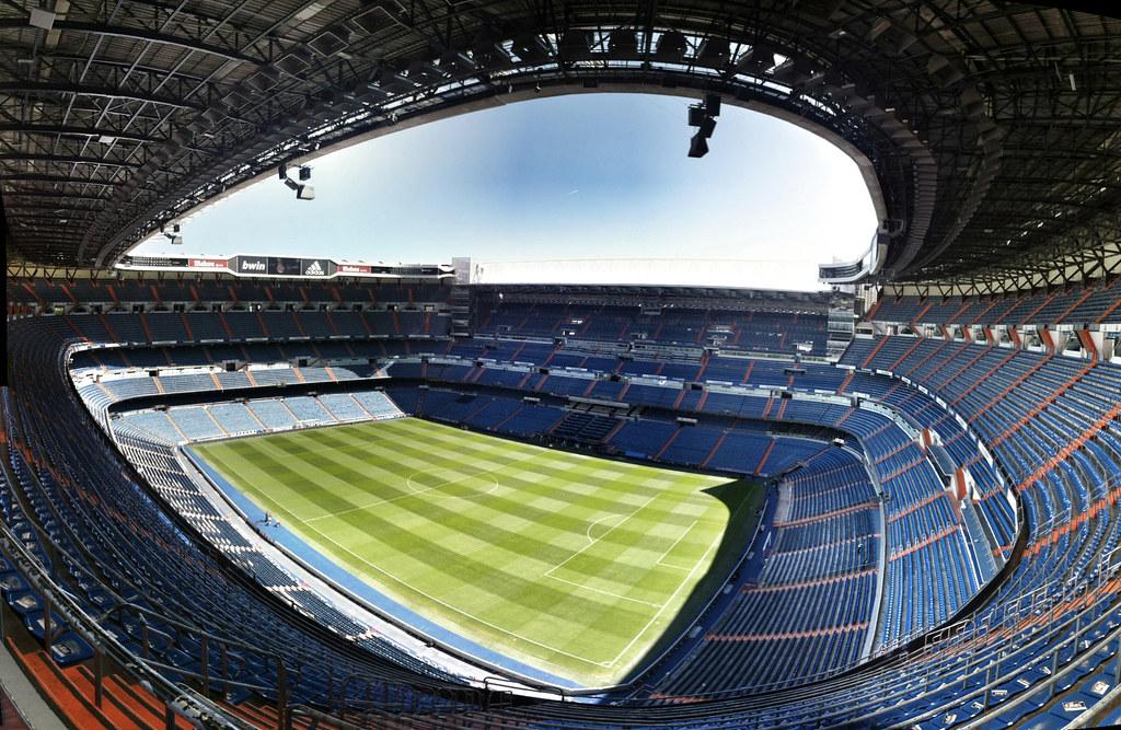 Частично обновленный стадион Сантьяго Бернабеу готовится к открытию