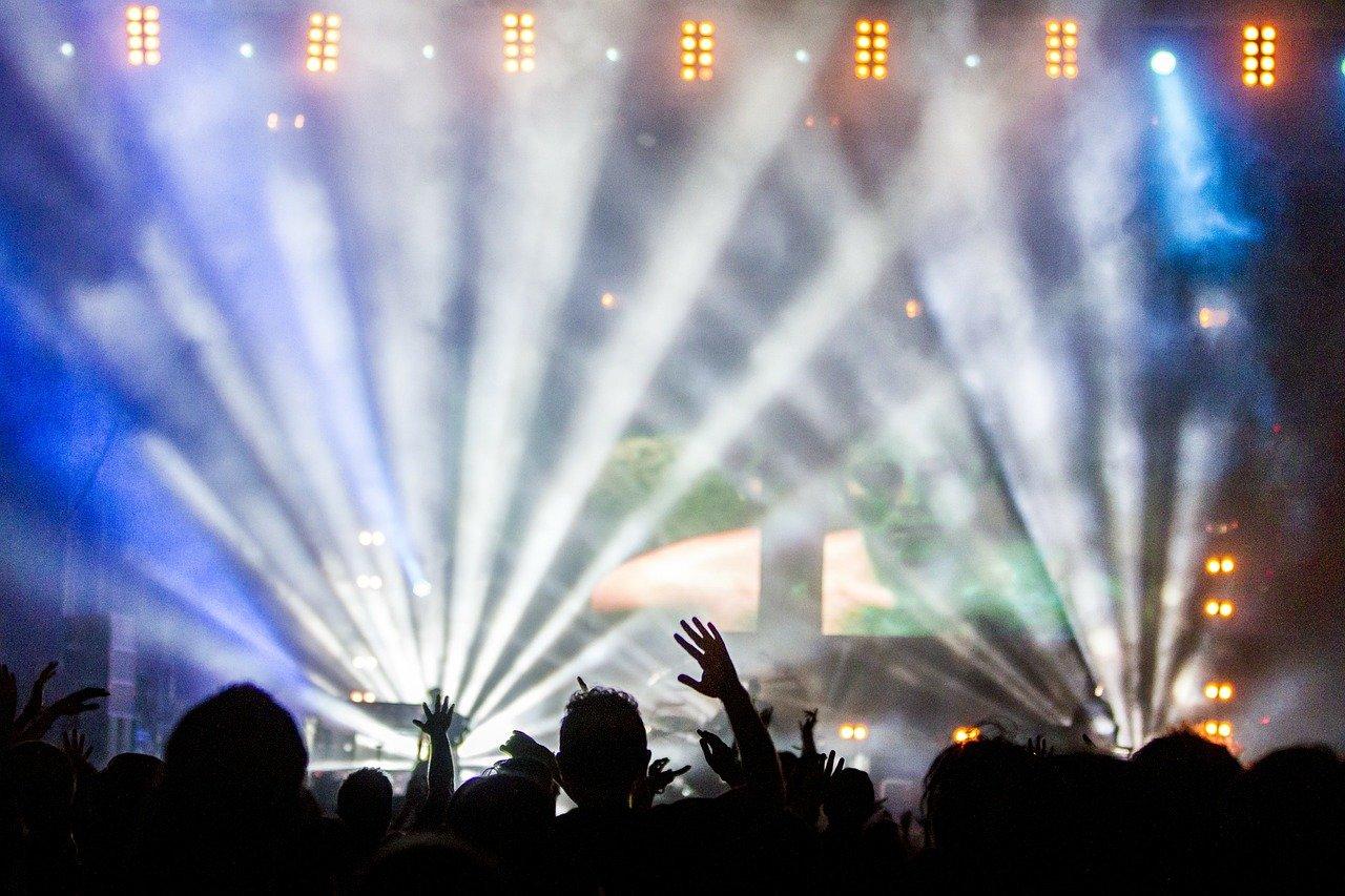 В Барселоне снова открылись некоторые ночные клубы