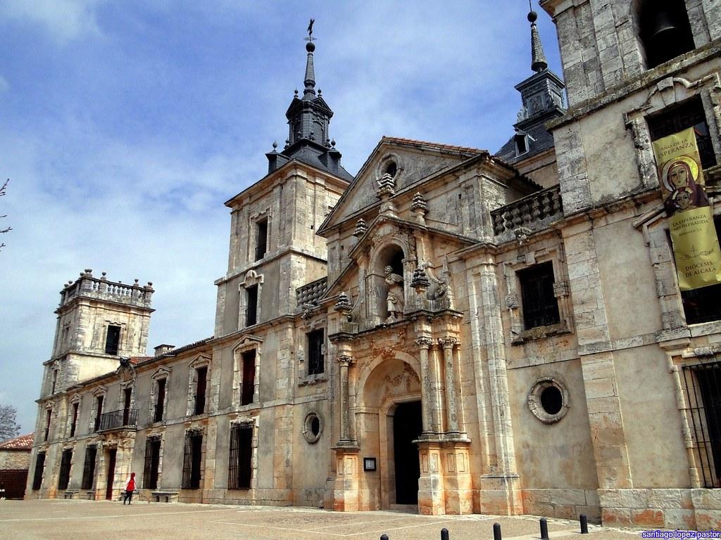 Деревня Нуэво-Бастан получила звание одной из самых красивых деревень Испании